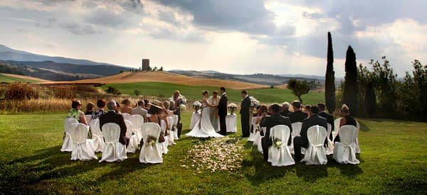 Less Is More at A Simple Wedding?